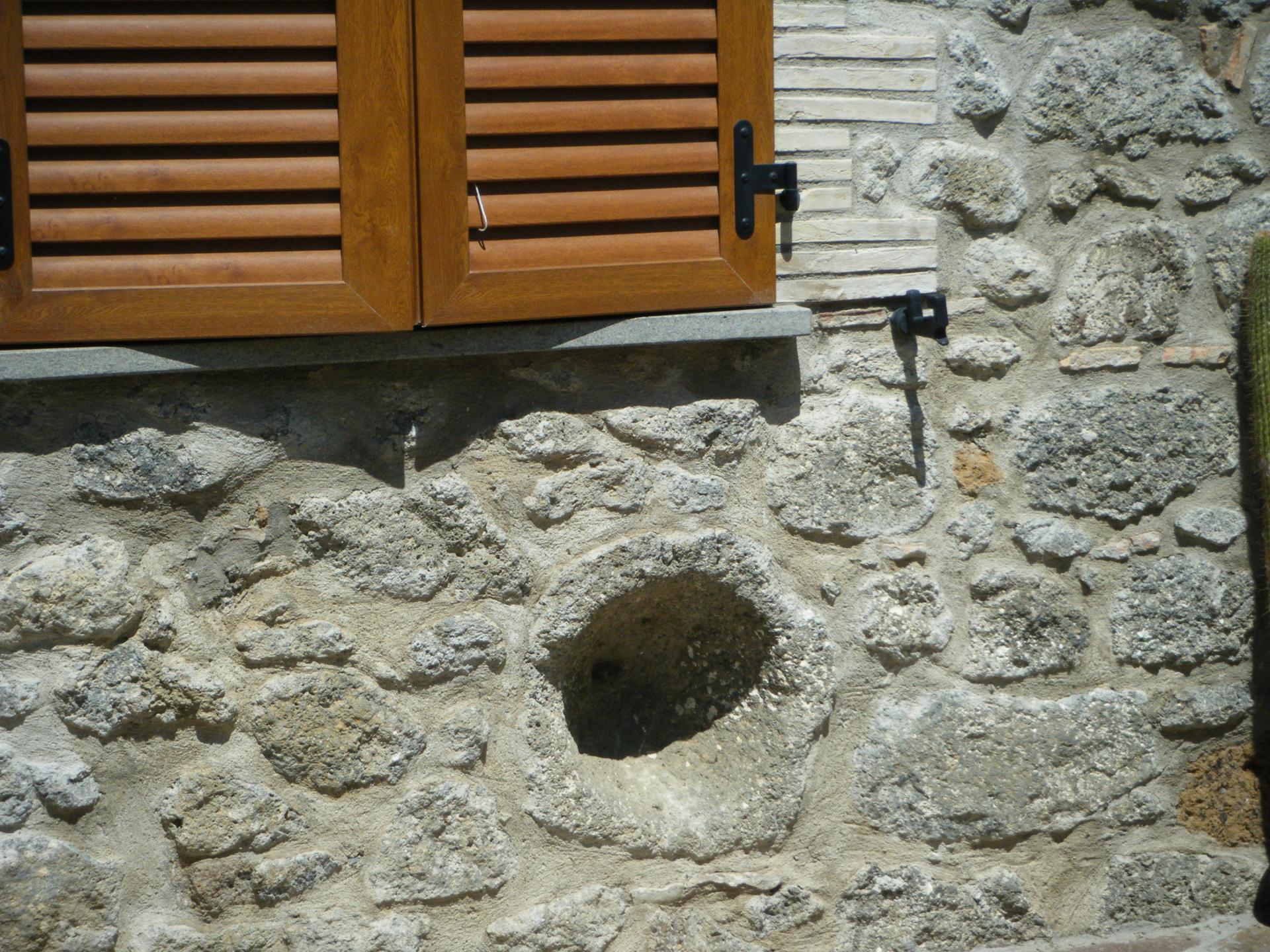 niche dans mur en pierre marvelous decoration with niche dans mur en pierre niche dans mur en. Black Bedroom Furniture Sets. Home Design Ideas