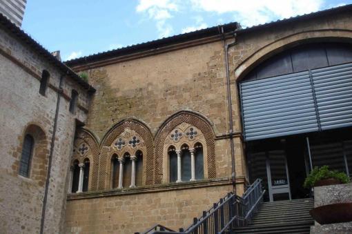 orvieto-dietro-duomo-e-museo-archeo-dsc0722.jpg