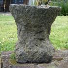 R 16 catillus base quadrata h d 47cm